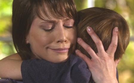 最後にジャックを抱きしめるヘイリー